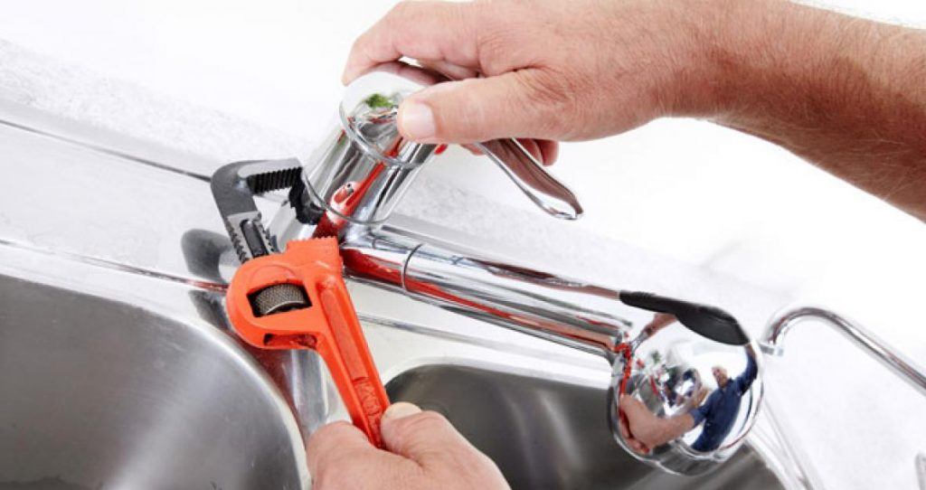 Remove-the-Existing-Faucet